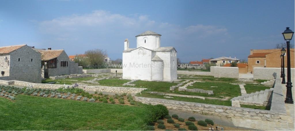 nin-verdens-mindste-katedral