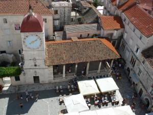 Trogir pladsen neden for Katedralen