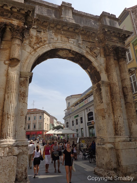 Pula Golden gate